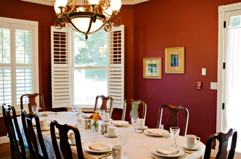 Enjoy a whole weekend with us. Enjoy food, massage, and the nearby Katy Trail